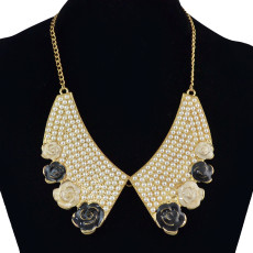 N-1532 Fashion Gold Chain Flower Pearl Choker Necklace