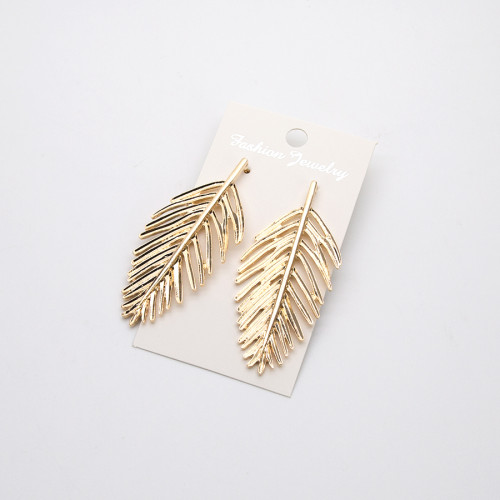 E-4593 Fashion Creative Metal Leaf Stud Earrings