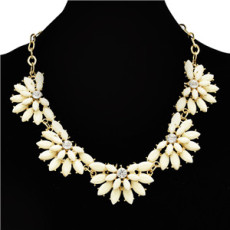 N-0292 New fashion gold plated resin gem crystal flower adjustable choker necklace for women jewelry