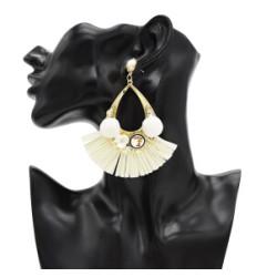 E-4842 Cute Flower Shape Pom Pom Ball Raffia Drop Earrings for Women Boho Party Fashion Jewelry