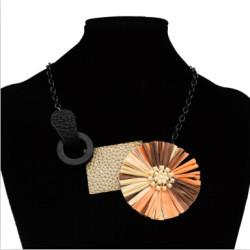 N-7117  Cute 5 Colors Elegant Pearls Plastic Flower Pendant Gothic Choker Bid Necklace Artificial Leather Geometric Pendant for Women Jewelry