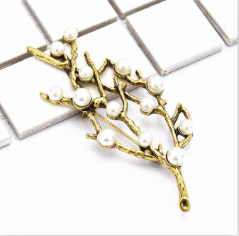 P-0421 Korean Women Fashion Cute Delicate Pearl Silver Gold Sprig Shaped  Brooches Pin Scarf  Sweater Accessory