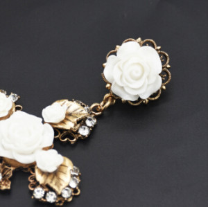 E-5015  3 Colors European Rhinestone Drop Earrings Italy Classical Flower Cross Statement Earrings  For Women Jewelry Design