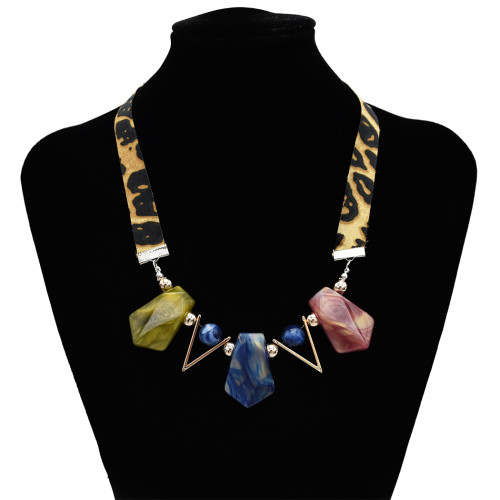 N-7156 Retro Resin Pendant Necklace Geometric Leopard Chain Sexy Women Necklaces