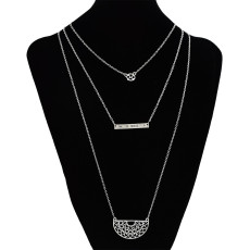 N-7164 Fashion Simple Fan-shaped Necklace Conch Pendant 3 Layers Clavicle Chain