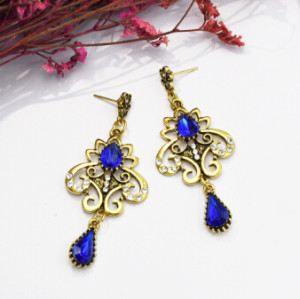 E-5086 Turkish Boho Gold Metal Italy Rhinestone Statement Earrings Creative Vintage Carved Hollow Out Drop Dangle Earrings for Women Festival Party Jewelry