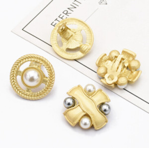 E-5105 2 Styles Korean Personalized Geometric Design Copper Pearls Stud Earrings Creative Fashion Round Shaped Earrings for Women Party Jewelry
