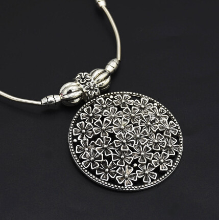N-7185 Bohemian Vintage Silver Statement Necklace Carved Flower Turkish Round Shape Choker Necklaces Women Jewelry