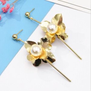 E-5144  2 Colors Elegant Europian  New Fashion Alloy Statement Earrings Creative Pearl Flower Drop Earrings for Women Jewelry