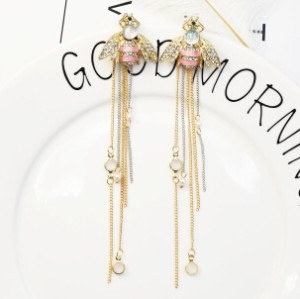 E-5233  2 Style Fashion Trendy Gold Statement Long Dangle Pearl Bee Shaped Earrings Elegant Wedding Earrings