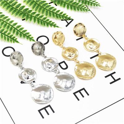 E-5232  3 String Metal Sheet Simple And Generous Earrings