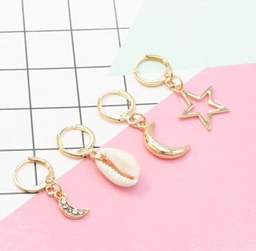 E-5405 2 Styles Bohemian Gold Metal Natural Shell Pendant Moon Star Drop Hoop Earrings for Women Summer Beach Jewelry