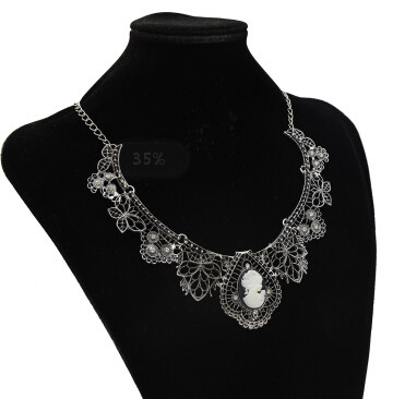 N-3580 Necklaces & Pendants Jewelry For Women Vintage Queen Head Crystal Pendant Necklace European Jewelry