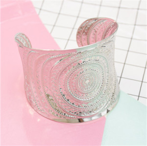 B-0986  2-Color Fashion Unique Carved Metal Bracelet, Female Personality Jewelry Accessories