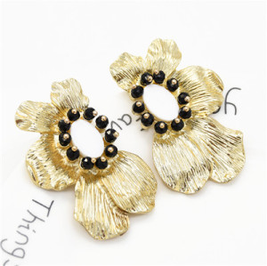 E-5483 Golden Flower Shape Pearl Earrings Fashion Atmosphere Lady Earrings