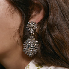 E-5455 4 Colors Retro Palace Luxury Water Drill Earrings Multilayer Petal Bright Dangle Earrings Party Jewelry Gift