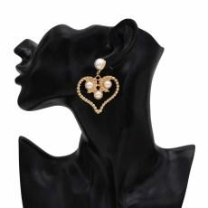 E-5568 Fashion Design Women Gold Love Pearl Heart Eardrop Pearl Dangle Drop Earrings For Women Jewelry