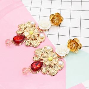 E-5625 2 Color Pearl Earrings Flowers Simple Fashion Generous Wedding Jewelry