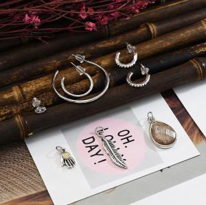 E-5684 Jewelry Pendant Earring Fashion Glamour Element Mini Round Ear Stud Earring Jewellery.