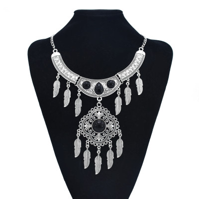 N-7512 Vintage Silver Metal Black Stone Geometric Leaf Pendant Necklaces for Women Bohemian Tribal Jewelry Gift