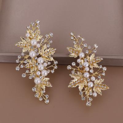 A pair of European and American hot-selling leaf pearl hairpin bridal rhinestone hairpin headdress set
