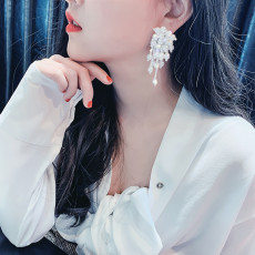 E-6103 Fashion Luxury Vintage Pearl Cluster Earrings for Women