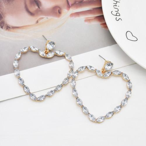 E-6105 Fashionable simple European and American style exaggerated heart-shaped diamond earrings