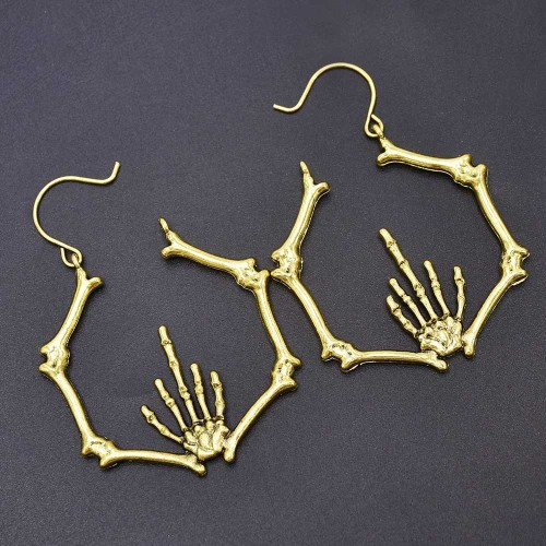 E-6130 European and American personality ghost claw earrings female street shooting show personality trend earrings jewelry