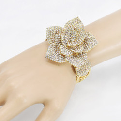 B-1120 Fashion Fine Jewelry Flowers Carved 24k Gold Plated Crystal Wedding Bracelet Bangle for Women