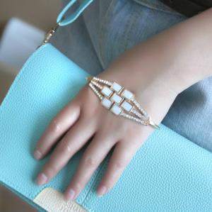 Fashion European Charming Resin Square Rhinestone Wrist Bracelet B-0287