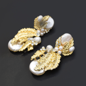 E-5522 2019 Newest Gold Leaf Drop Earrings for Women Bridal Tear Drop Hanging Earrings Pearls Jewelry