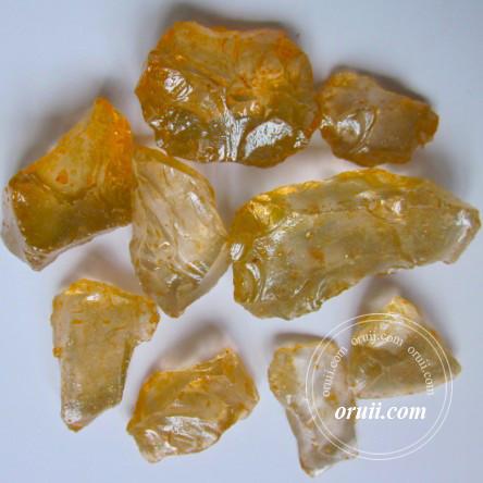 العنبر الزجاج الصخور