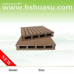 Sundeck composé en plastique en bois