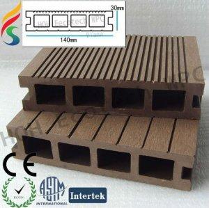 legno decking composito con vari formati e colori