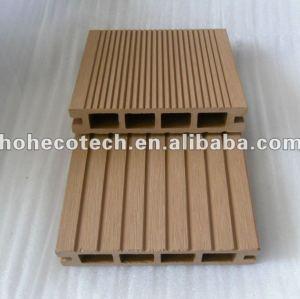 La langue et la cannelure du decking 135x25mm de wpc de HOH Ecotech embarquent le decking de composé de WPC