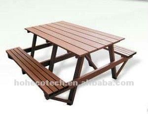 Chaise composée en plastique en bois extérieure