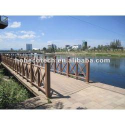 新式の、木製のプラスチック合成橋柵