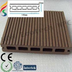 木製の屋外の木のdecking