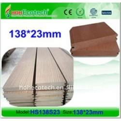 138x23mmの固体wpcのdecking板木プラスチック合成物WPCの床板のDECKING板
