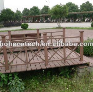 Balustrade en bois machinée de la texture WPC des équipements de couloir/parc de jardin/balcon/patio/planche