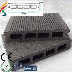 outdoor moisture resistant composite decking