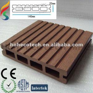 Stabilité de la couleur et decking imperméable à l'eau matériel de wpc de deco vert