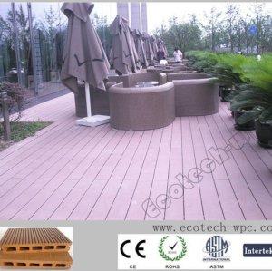 ambiente livre de pisos de madeira plástica