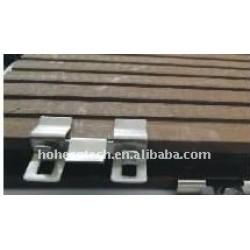 WPCのDeckingの床の設置Solid&Hollow WPCのdeckingは木製のプラスチック合成のフロアーリングをタイルを張る
