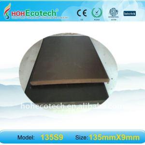 épaisseur de 9mm favorable à l'environnement, decking de 100% 135*9mm WPC/plate-formes composés en plastique en bois recyclables composé de plancher