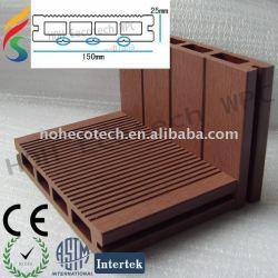 プールまたは庭の公園または木プラスチックWPC合成のdeckingのための空板合成のdeckingに床を張るEco自由なWPC