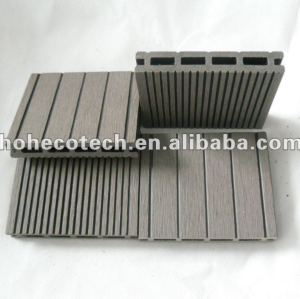 La superficie de lijado 100x17mm wpc decking compuesto/azulejo de piso