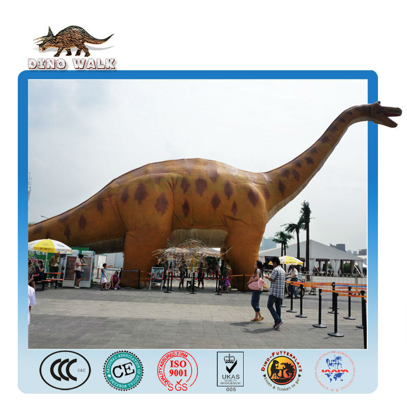 نموذج ديناصور الكرتون ضخمة