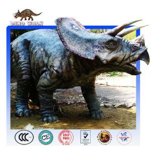 كبر حجم ترايسيراتوبس ديناصور متحرك