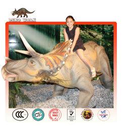 animatronique triceratops ride